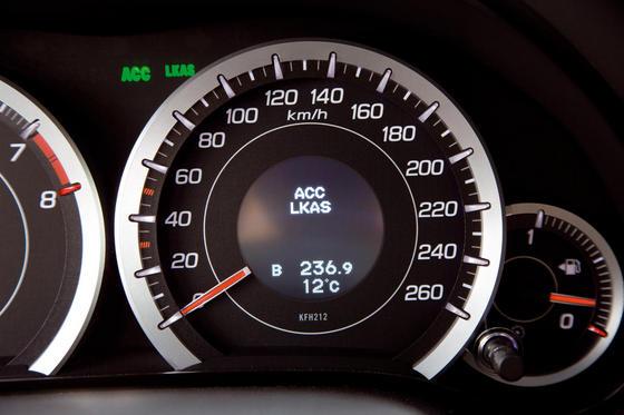Двигатель и трансмиссия нового Honda Accord