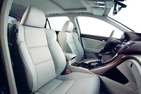 Салон и интерьер нового Honda Accord